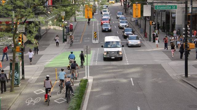 3035580-inline-i-1-new-report-shows-that-protected-bike-lanes-are-good-for-everyone-not-just-cyclists