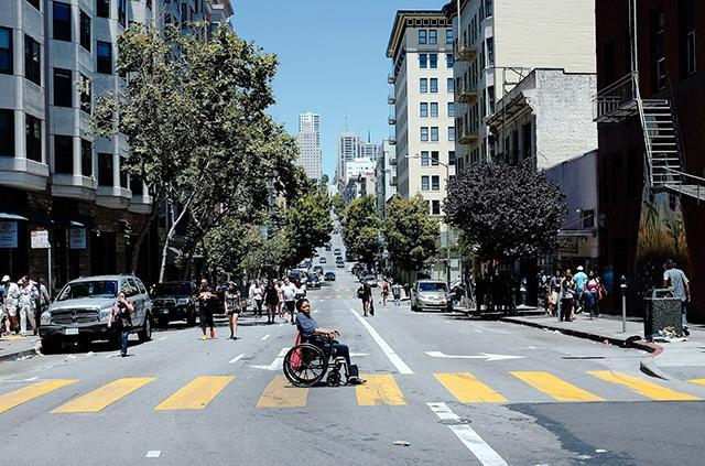 wheelchaircrosswalk640